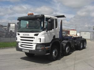 2008 Scania P380 8x4 hook loader